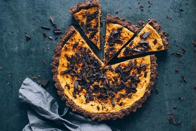 tarte de batata doce com lascas de chocolate